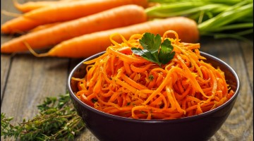 Delicious and spicy carrot spaghetti with ginger, garlic, chilli and lemon