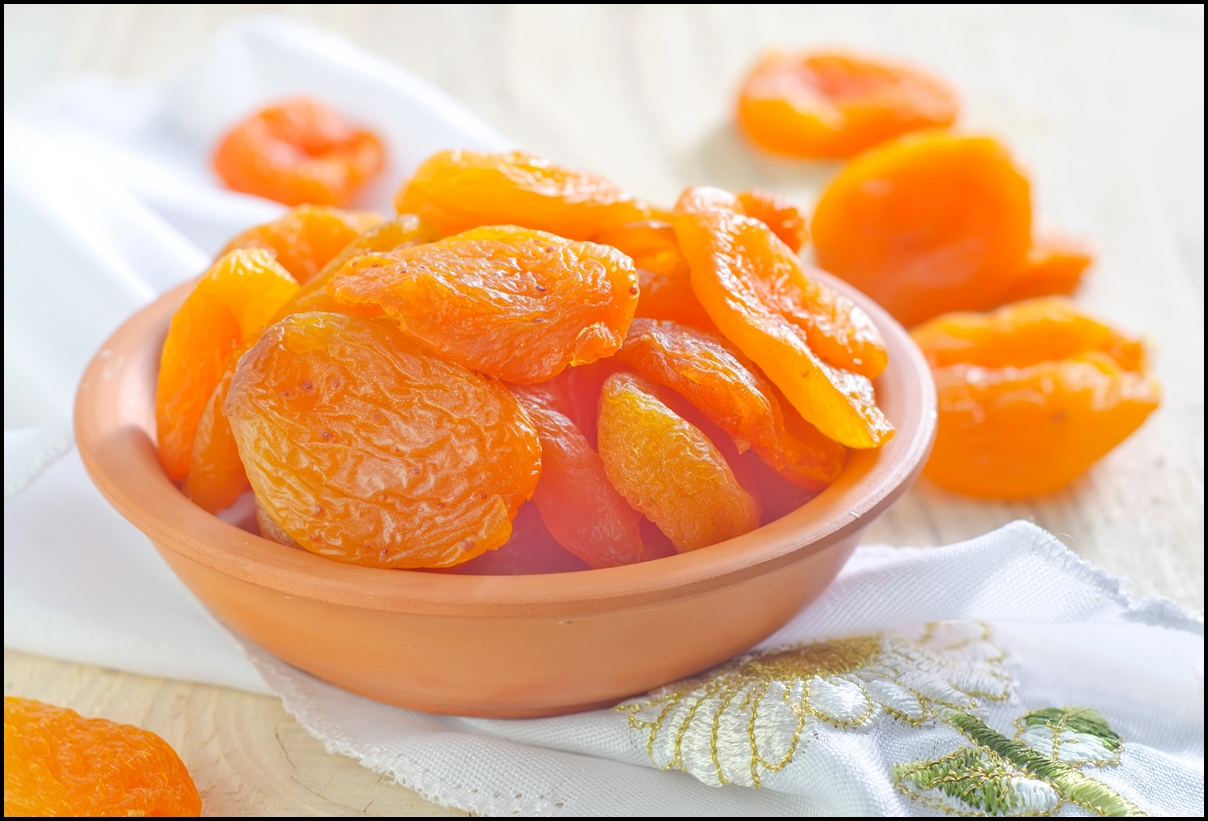 A bow of dry apricots