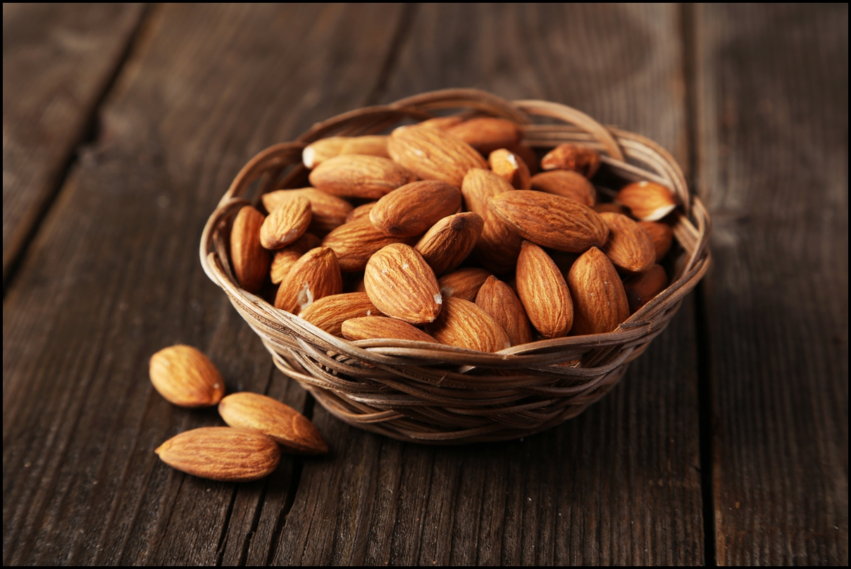 10 Delicious Health Benefits of Almonds - What Are the ... Almonds