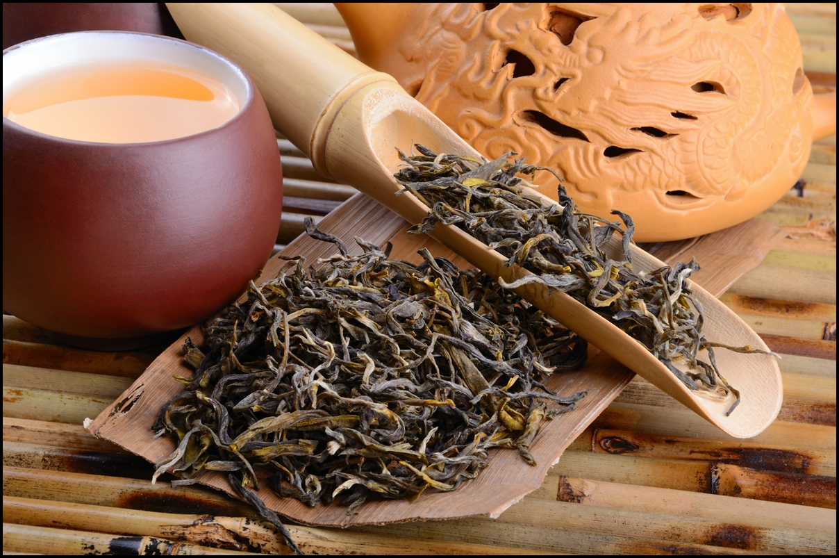 Aromatic oolong tea from China on bamboo mat