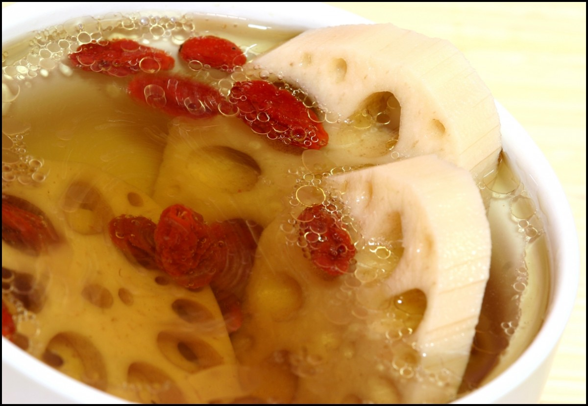 Chinese Cuisine - Healthy lotus root soup