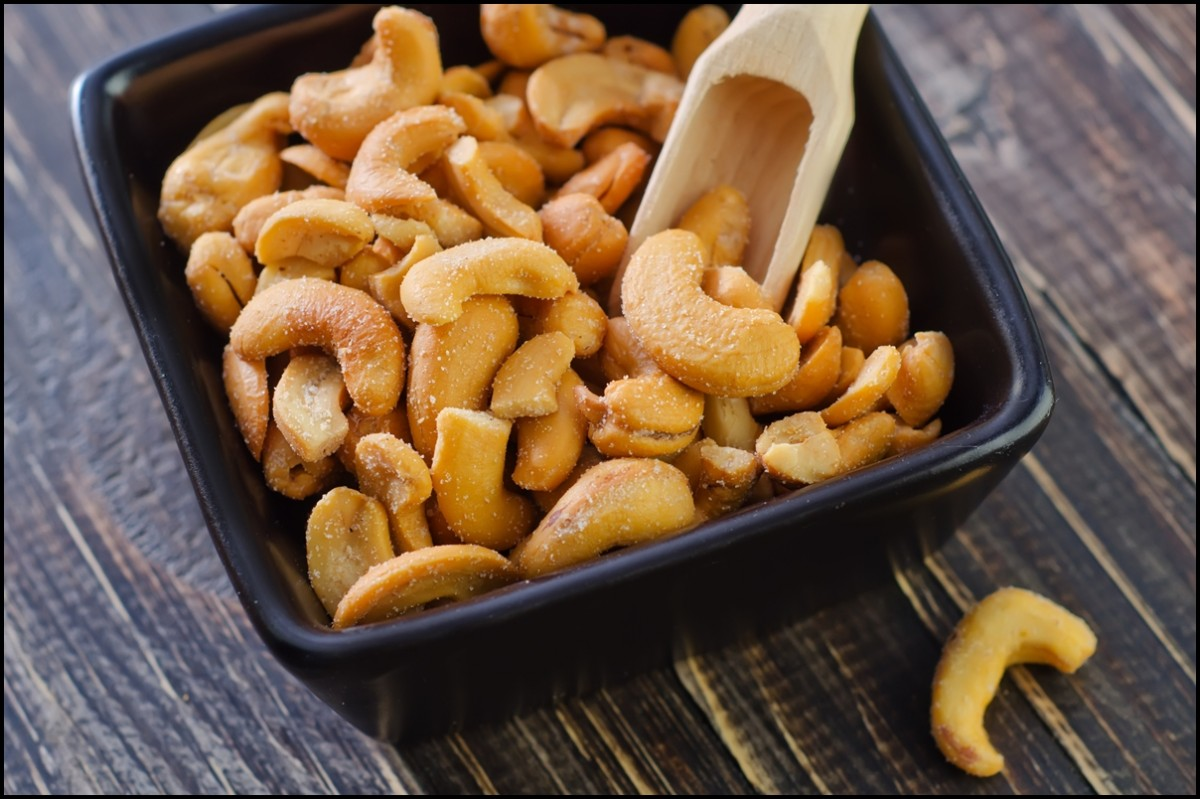 Delicious cashew with salt