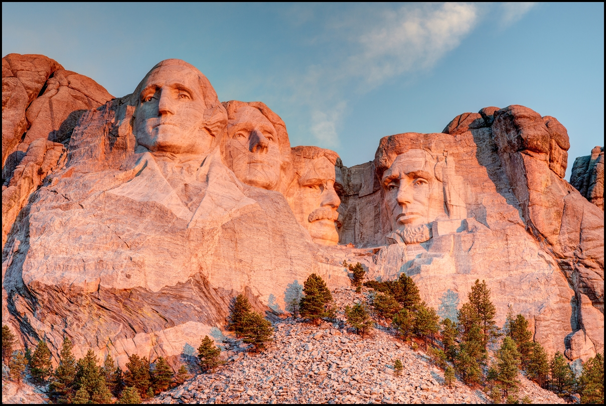 Sculptures of former U.S. presidents George Washington, Thomas Jefferson, Theodore Roosevelt and Abraham Lincoln - Mount Rushmore National Park