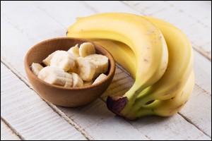 Sliced banana in a bowl