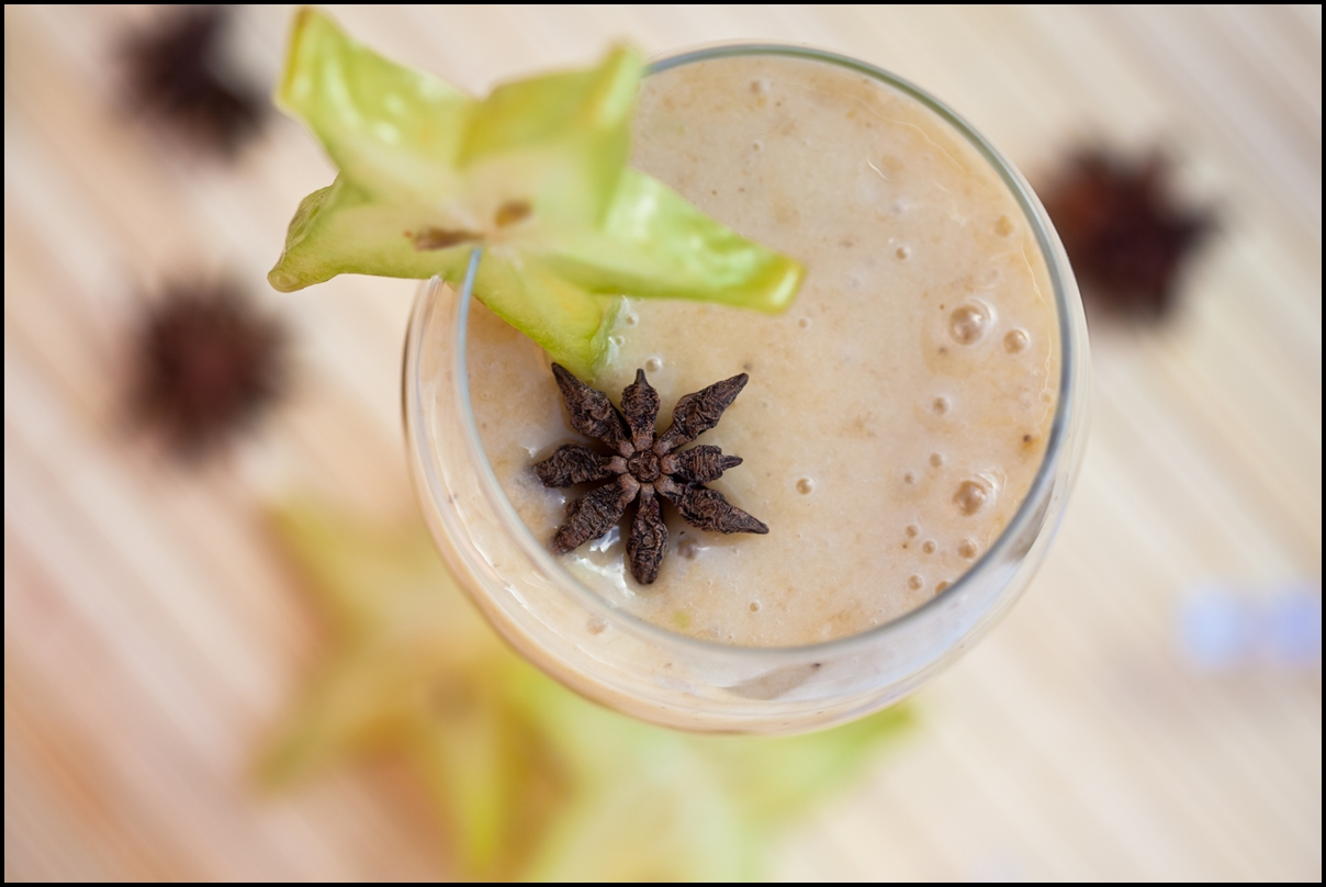 Starfruit and banana Christmas smoothie