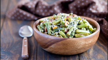 Warm green beans salad with bacon
