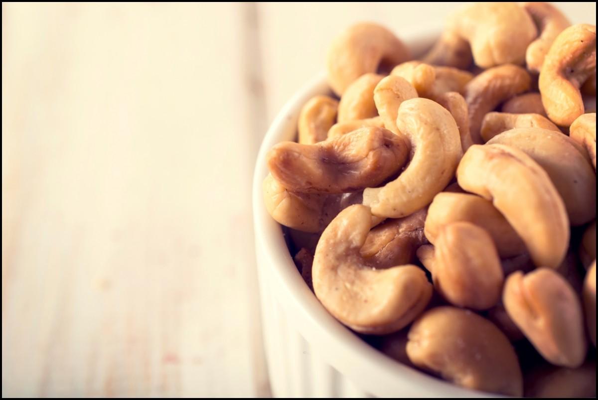 cashew nut in cup