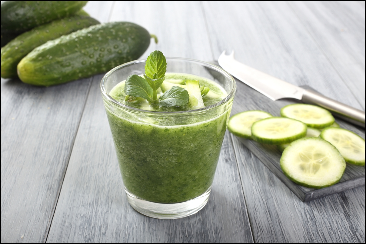 cucumber smoothie with a peppermint leaf