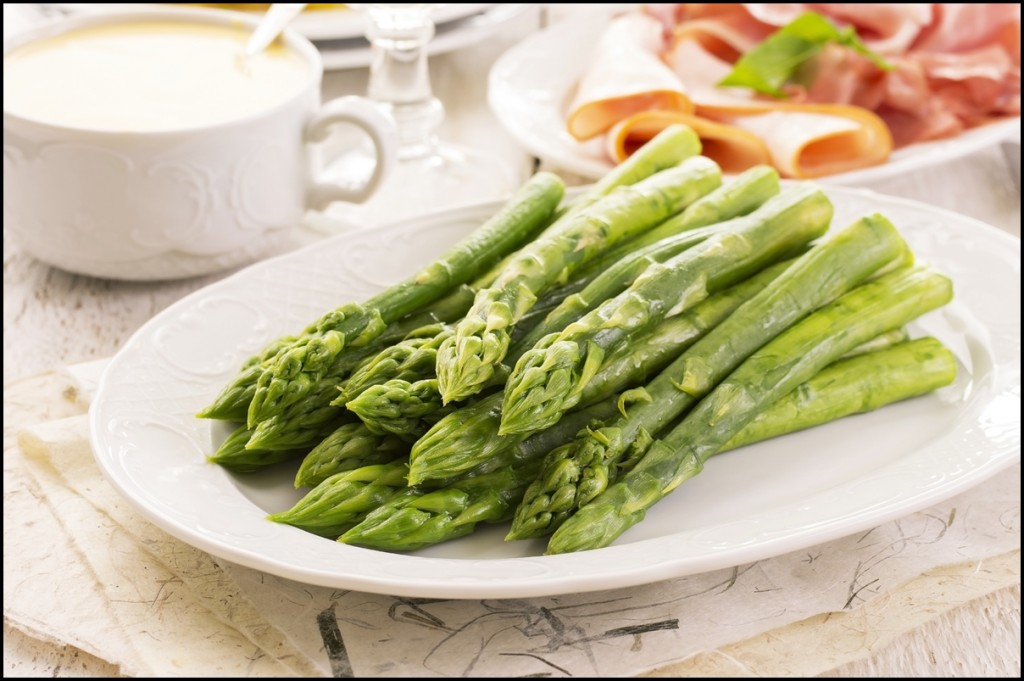 Reasons why you should eat green asparagus